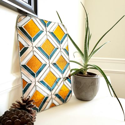Geometric Diamond Pattern Panel